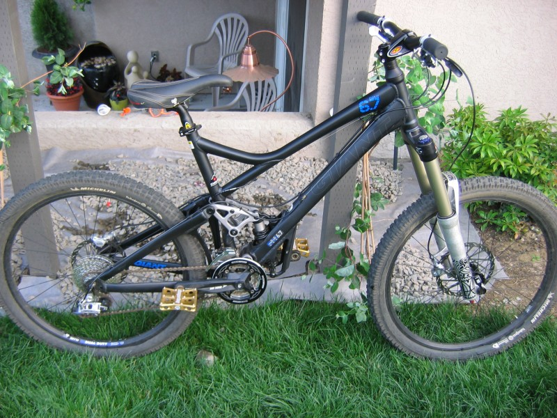 2009 Giant Reign 2 Specifications http://bb.nsmb.com/showthread.php?t=120017